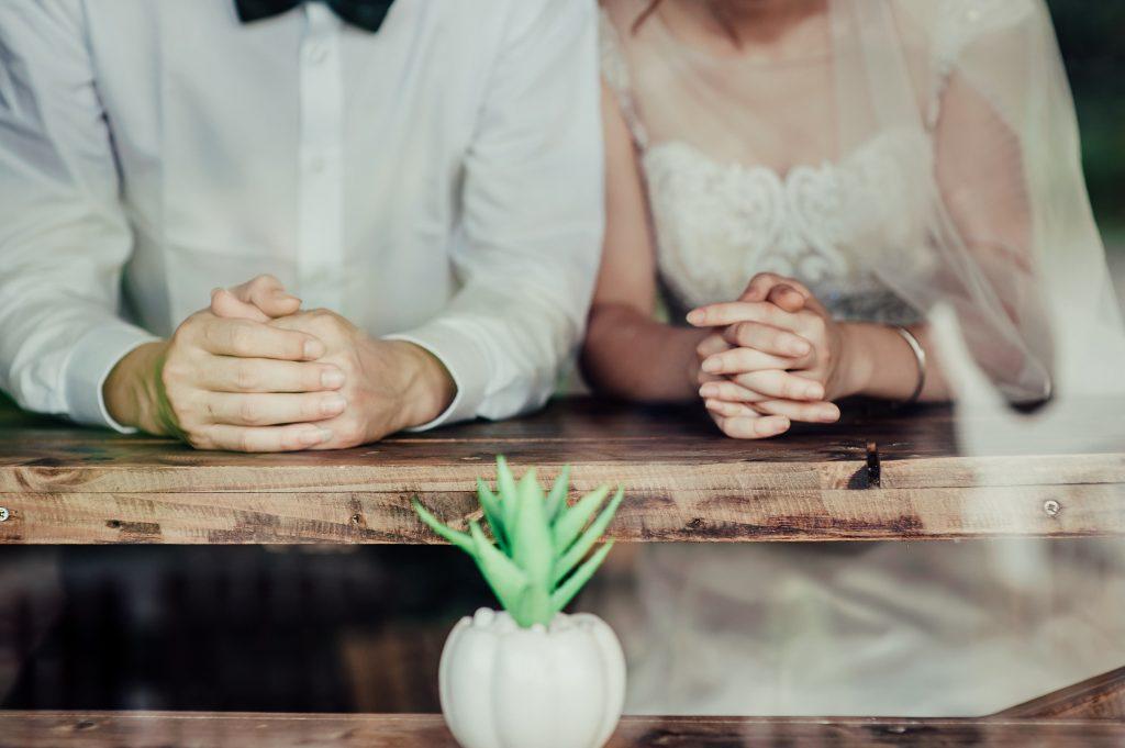 婚姻届の提出先・必要な書類・タイミングは?