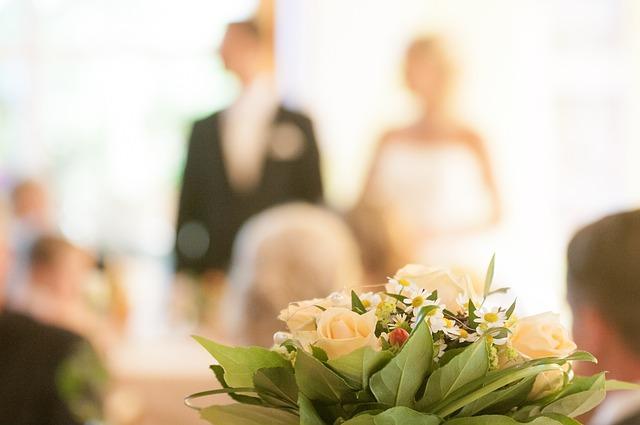 結婚にはいくらかかるの?予算は?~知っておきたい基礎知識~