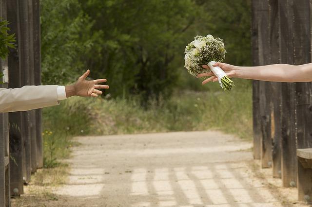 結婚式の招待客(ゲスト)の決め方を解説